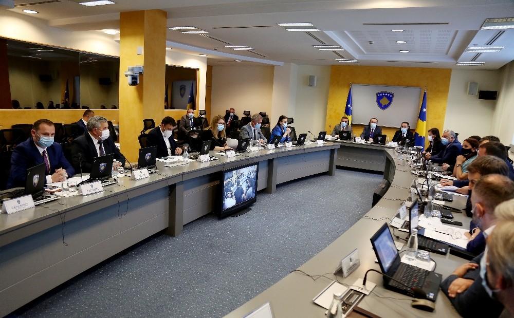 Kosova'da artan Covid-19 vakaları yeni tedbirleri beraberinde getirdi