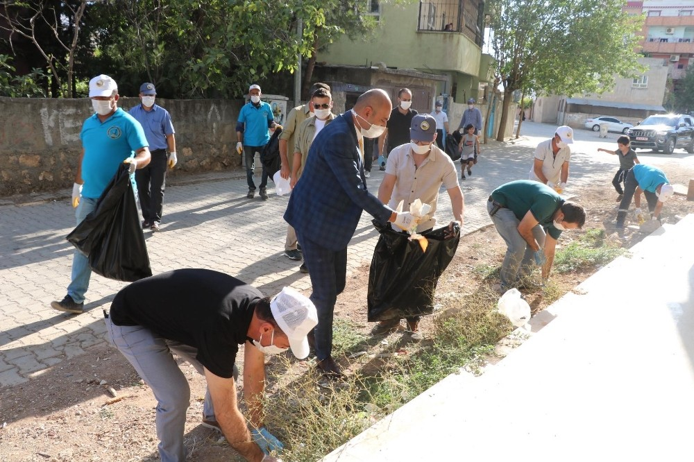 Kurtalan Kaymakamı Aydın çöp toplama etkinliğine katıldı