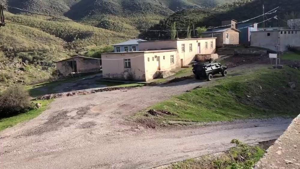 Siirt'te PKK'lı teröristlere yardım ettiği tespit edilen 10 kişiden 6'sı yakalandı