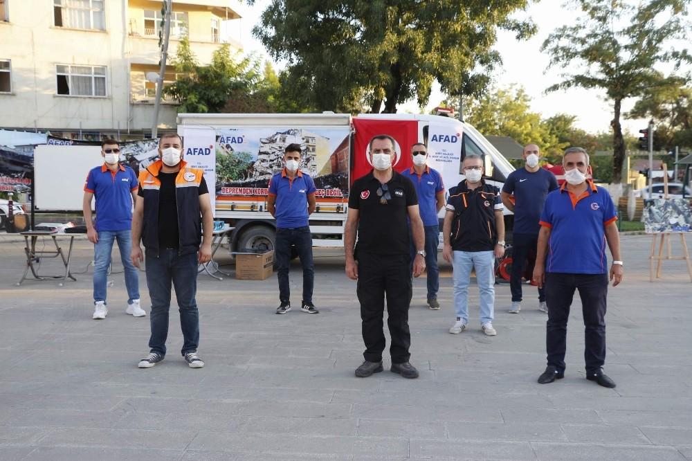 Vatandaşlara afet bilinci oluşturmak için Marmara depremi anma etkinliği düzenlendi