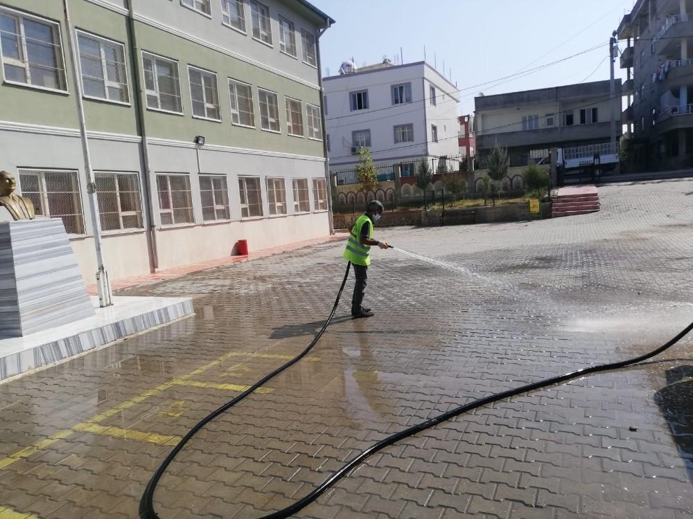 Siirt Belediyesince okullarda dezenfeksiyon çalışmaları tamamlandı