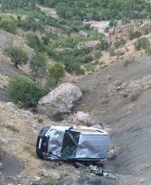 Siirt'te araç uçuruma yuvarlandı: 1 yaralı