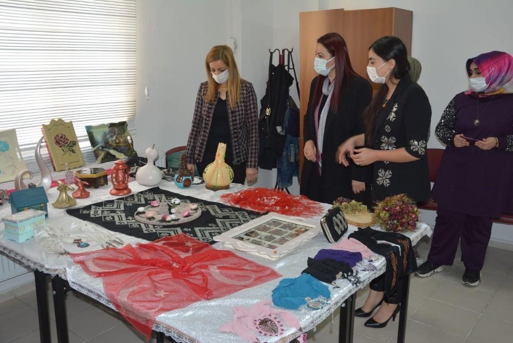 Siirt Valisi Hacıbektaşoğlu'nun eşi, ÇATOM'da incelemelerde bulundu