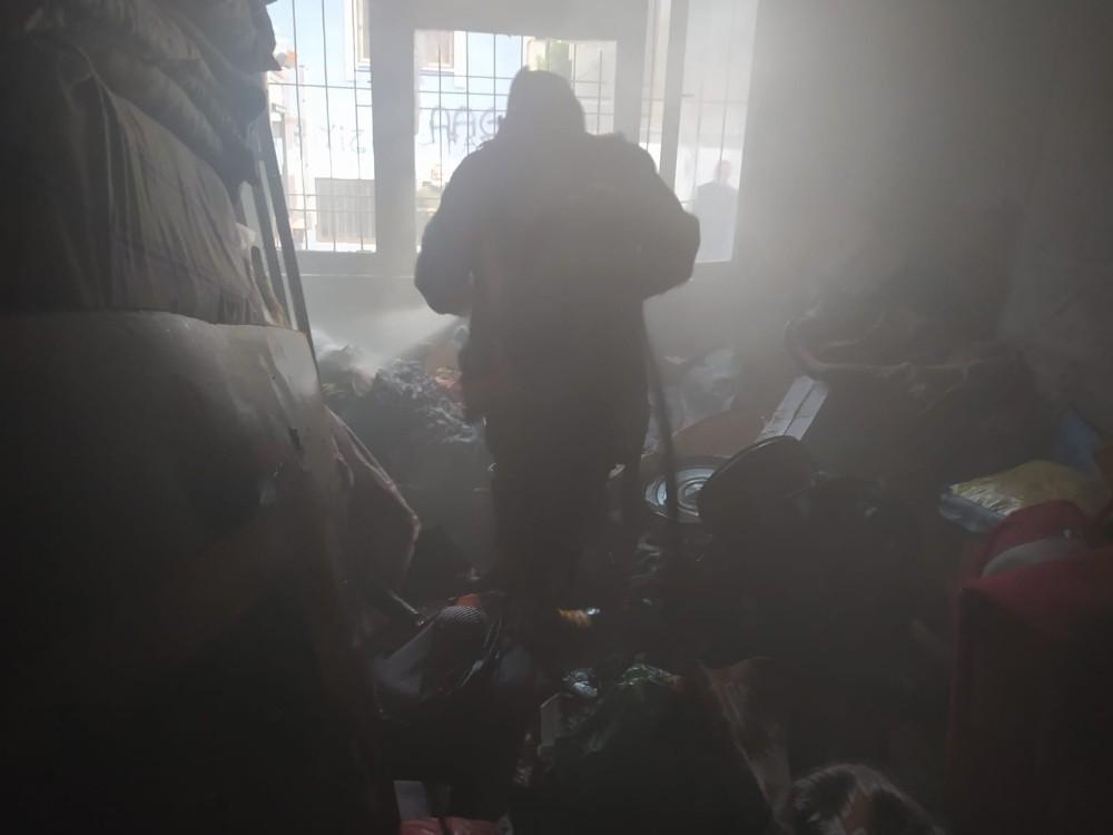 Siirt'te korkutan yangın, ev kullanılamaz hale geldi