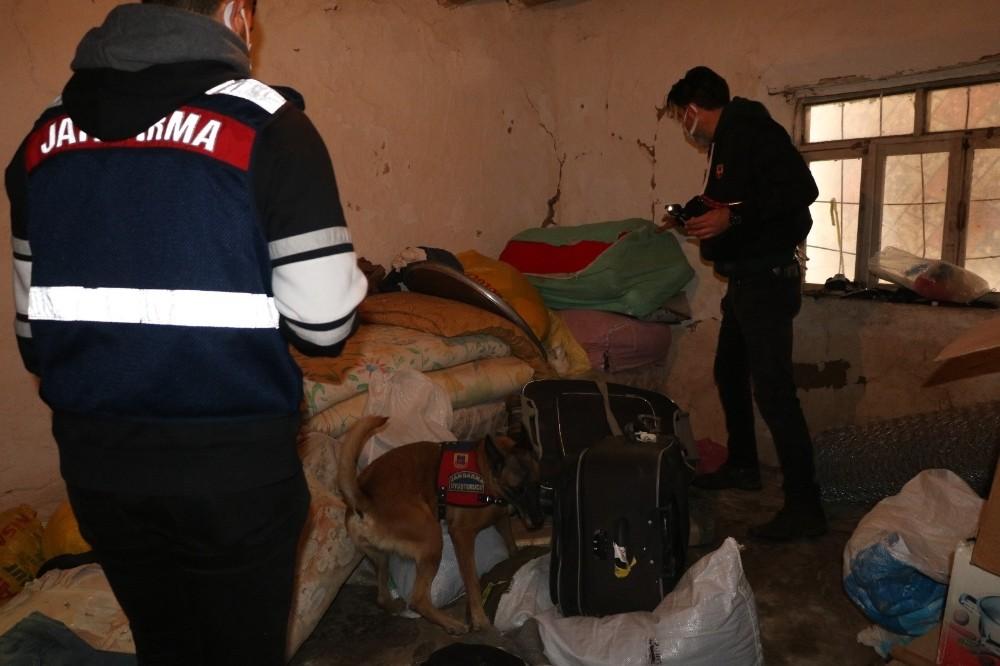 Siirt merkezli 12 ilde uyuşturucu operasyonu: 77 gözaltı