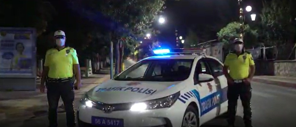 Siirt polisi, korona virüs tedbirlerine uyan vatandaşlara kliple teşekkür etti