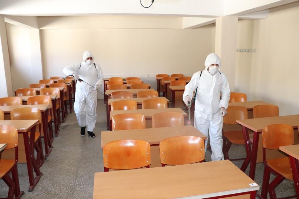 Siirt Belediyesi Korona virüsle mücadeleyi aralıksız sürdürüyor