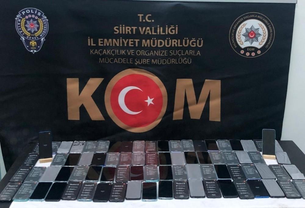 Siirt'te gümrük kaçağı 80 adet cep telefonu ele geçirildi