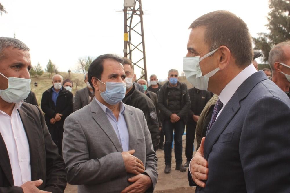 Vali Hacıbektaşoğlu vatandaşlarla bir araya geldi