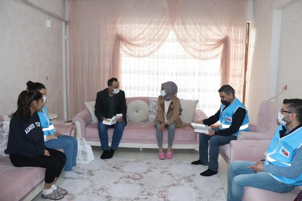 Siirt Belediyesinden çölyak hastalarına anlamlı ziyaret