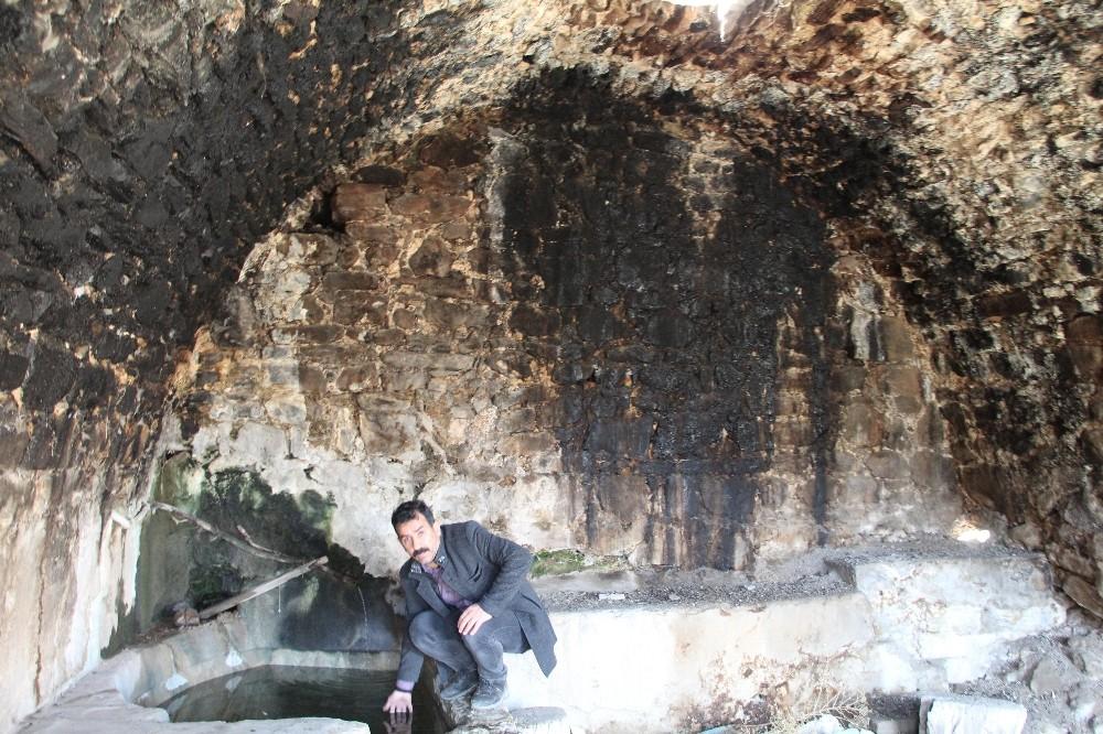 Siirt'te köylüler, 250 yıllık hamamın koruma altına alınmasını istiyor