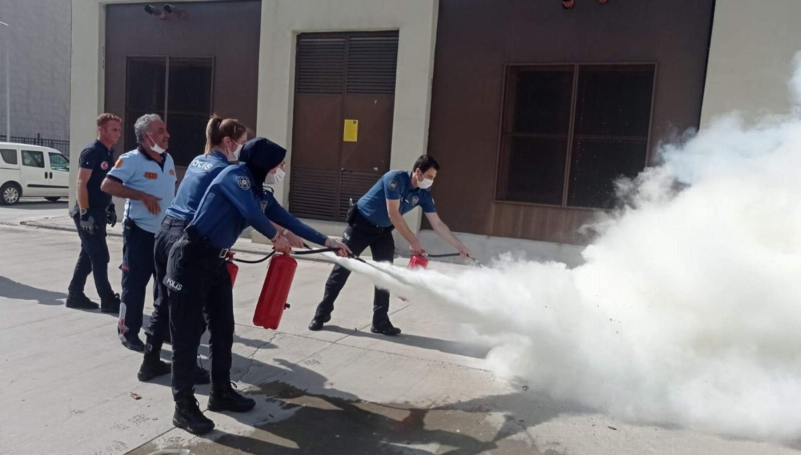 Siirt'te emniyet personellerine yönelik yangın tatbikatı yapıldı