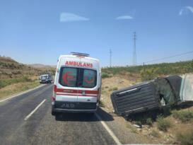 Siirt'te araç takla attı: 1 yaralı