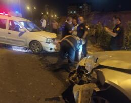 Siirt'te iki otomobil çarpıştı: 8 yaralı