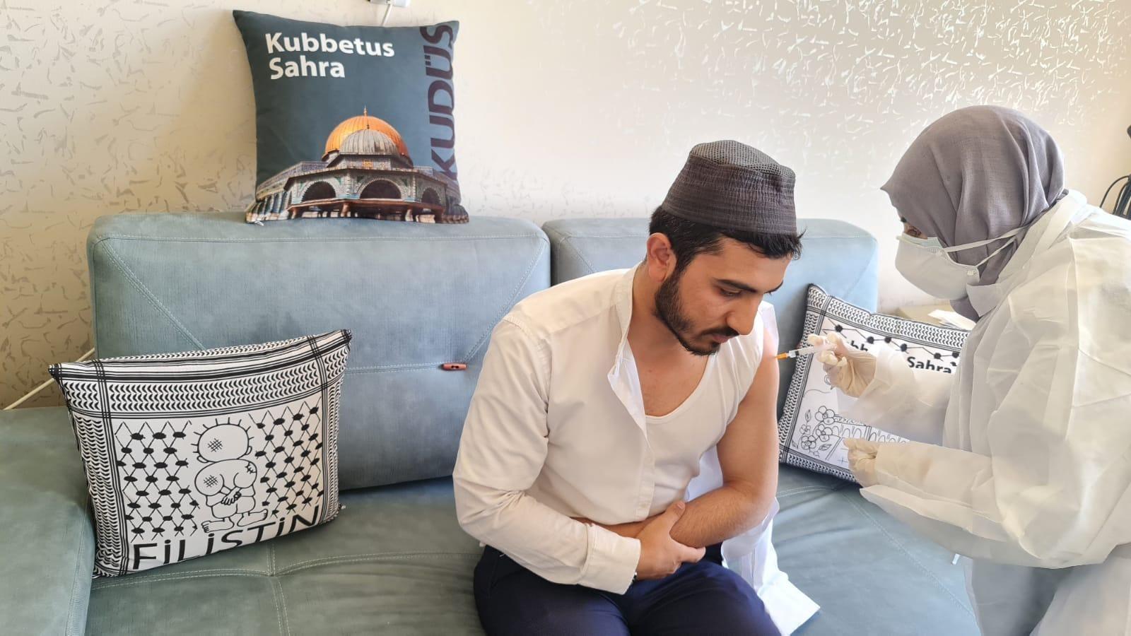 Kur'an kursu öğrencileri ve yöneticileri aşı oldu