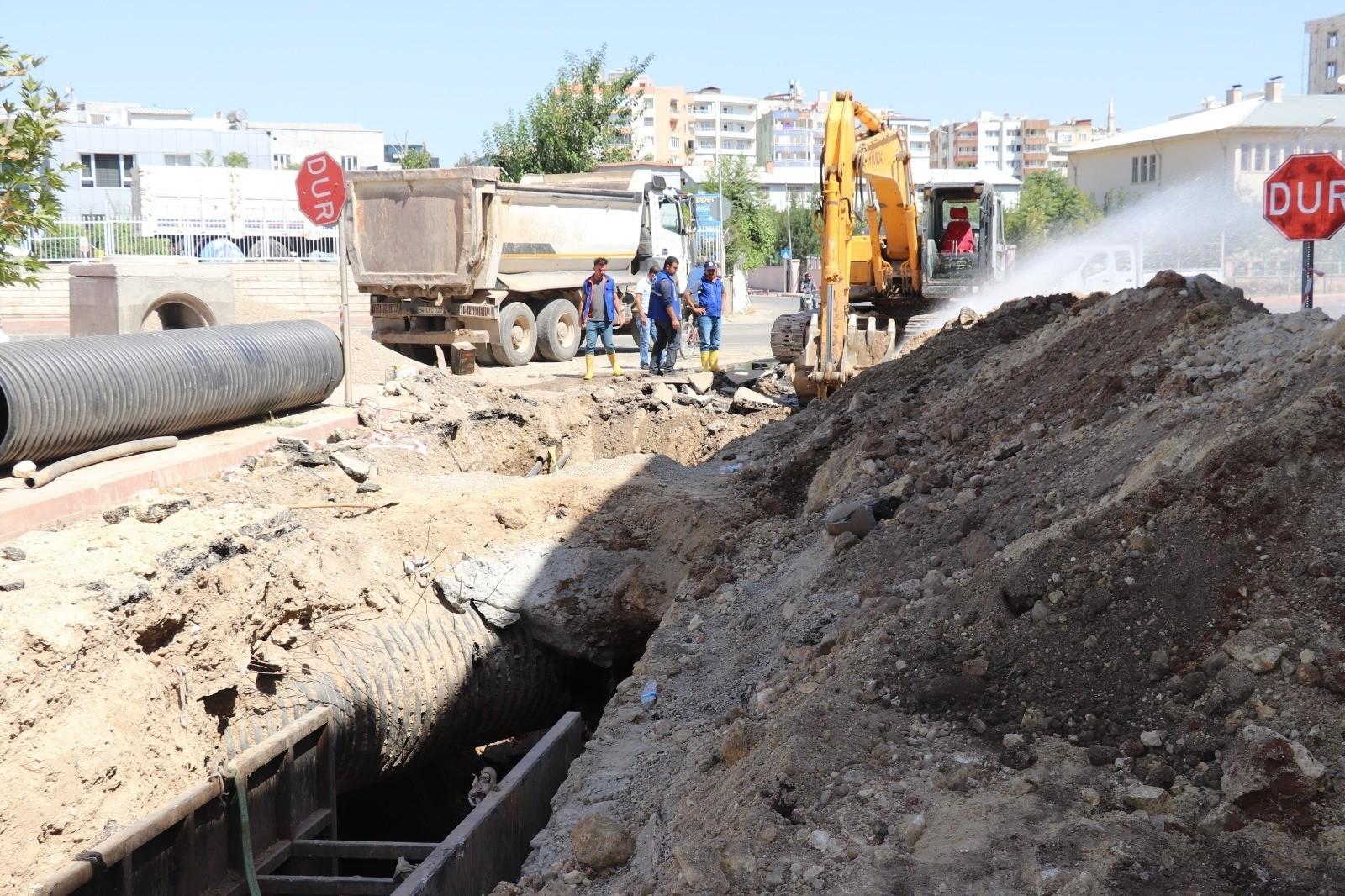 Siirt Valisi Hacıbektaşoğlu, alt ve üst yapı çalışmalarını denetledi