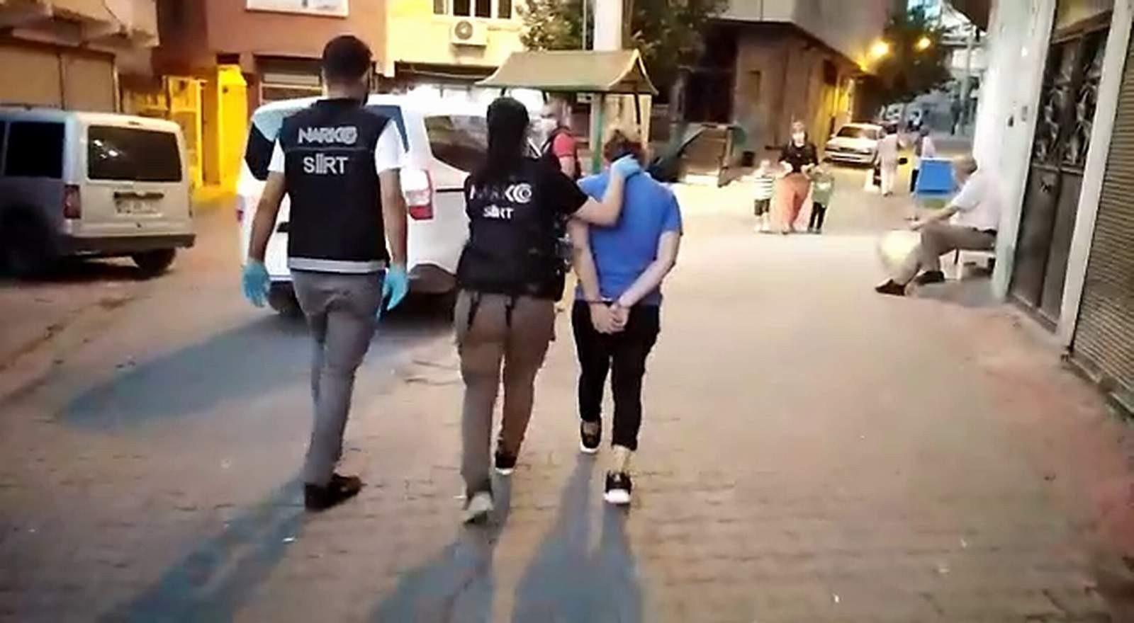 Siirt'te evinde uyuşturucu yakalanan kadın gözaltına alındı