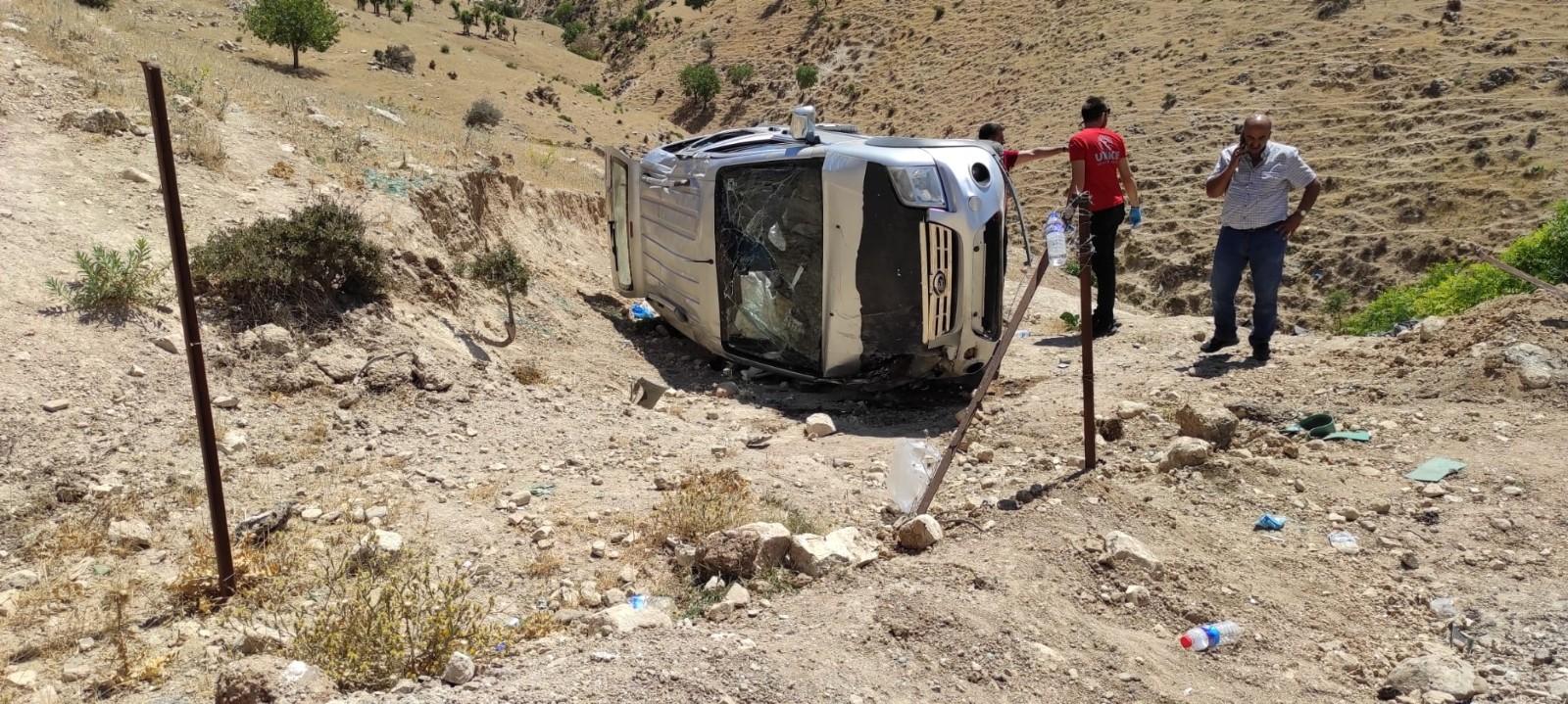 Siirt'te trafik kazası: 1'i çocuk 5 yaralı