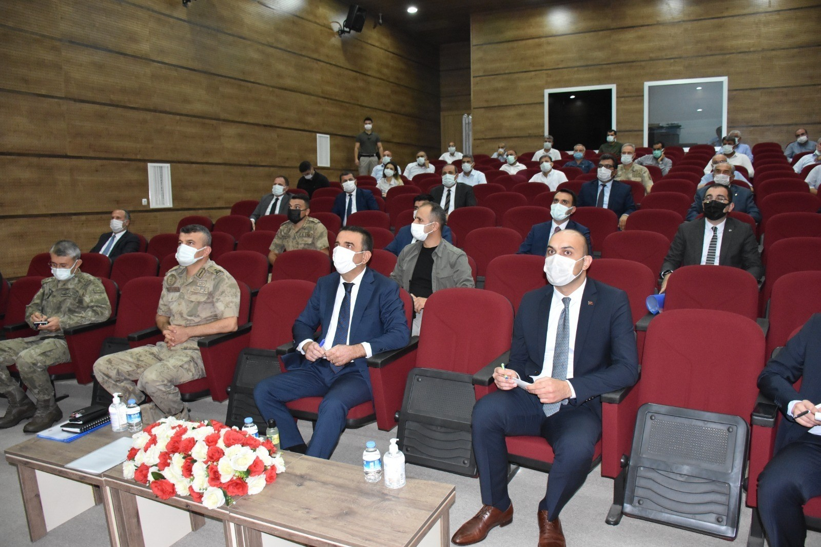 Genişletilmiş İl Pandemi Kurulu, Siirt Valisi Hacıbektaşoğlu başkanlığında toplandı