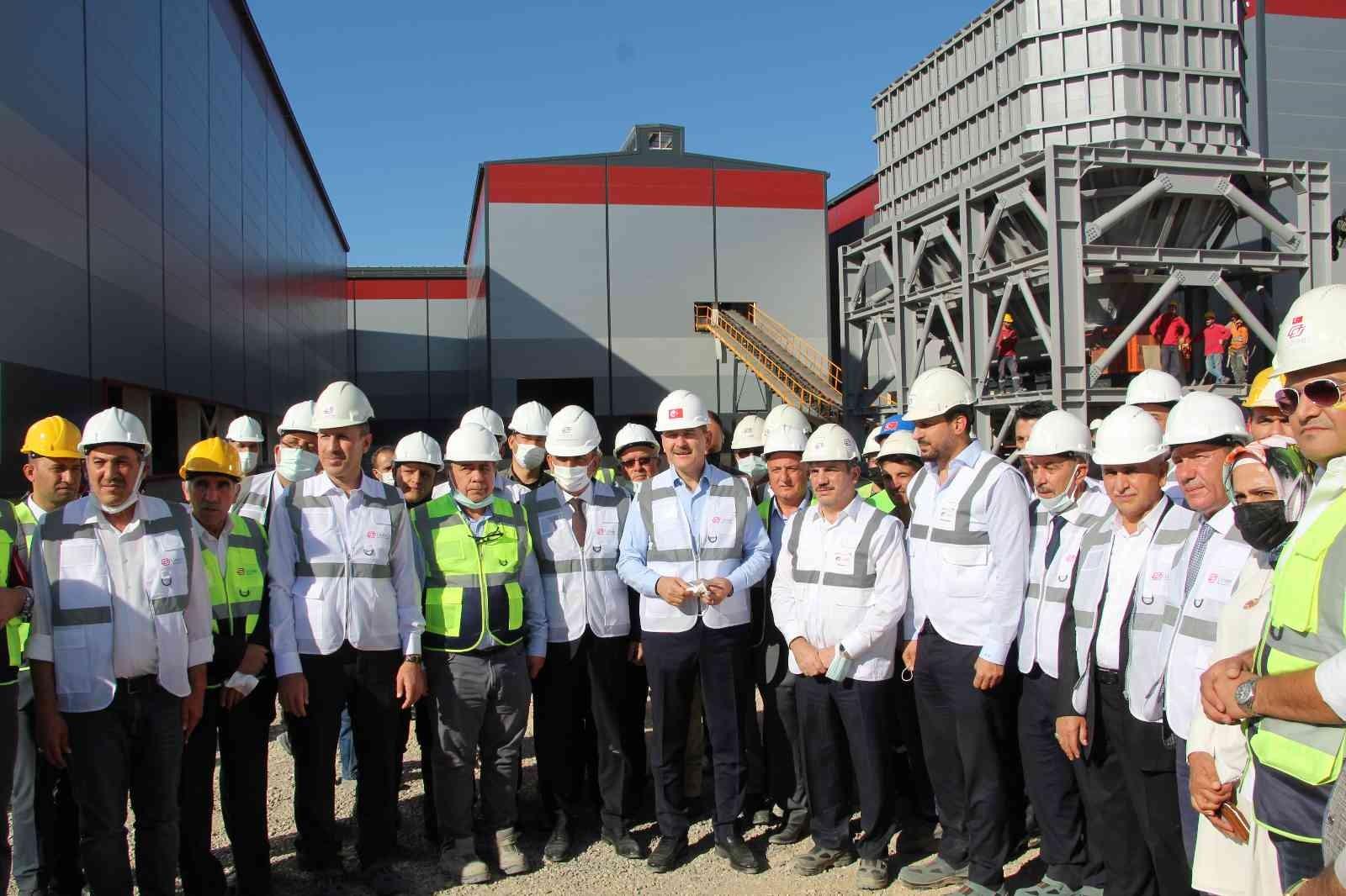 Bakan Soylu, ülke ekonomisine 250 milyon dolar gelir sağlayacak tesisi gezdi