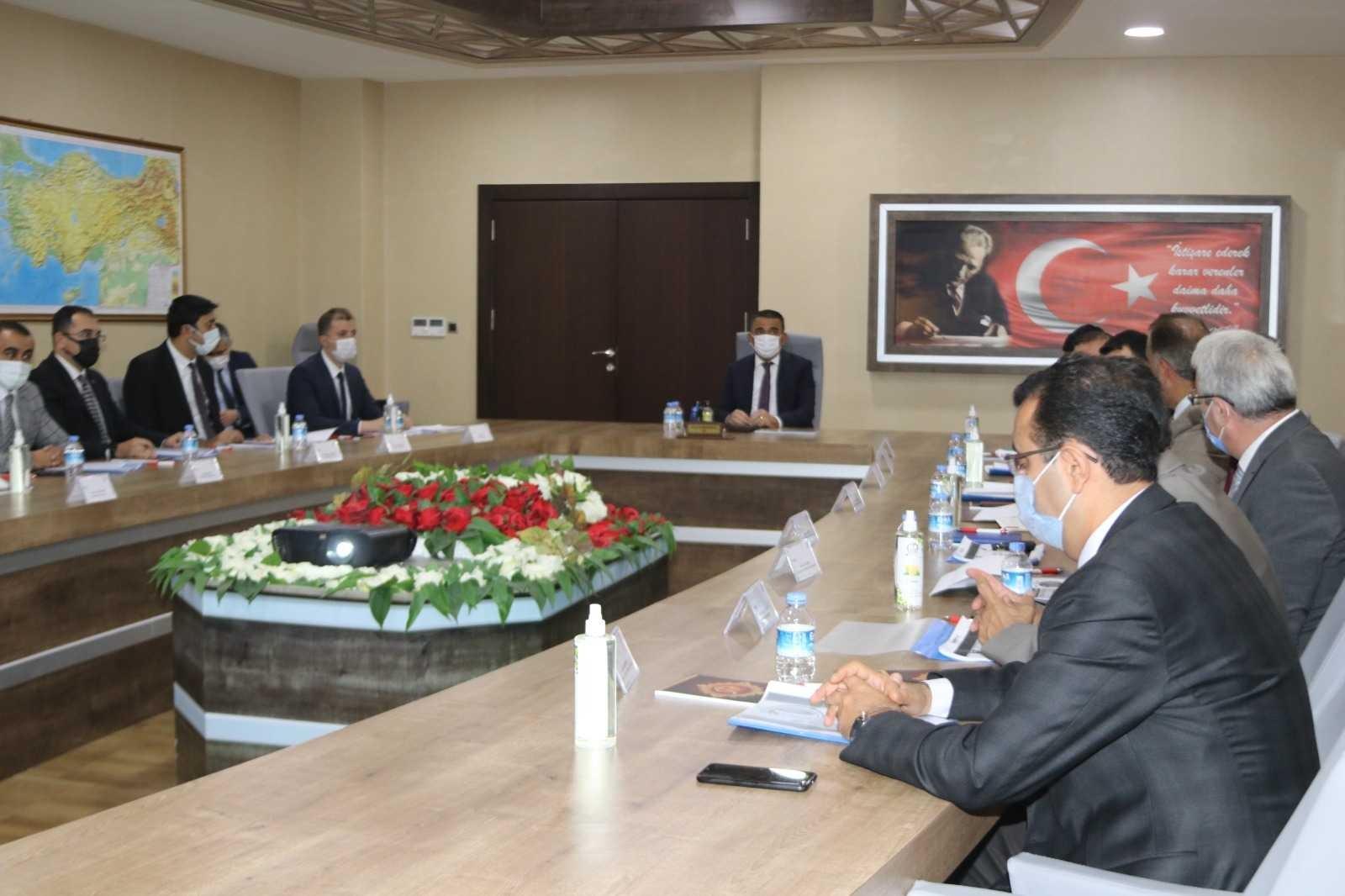 KÖYDES değerlendirme toplantısı Siirt Valisi Hacıbektaşoğlu başkanlığında yapıldı