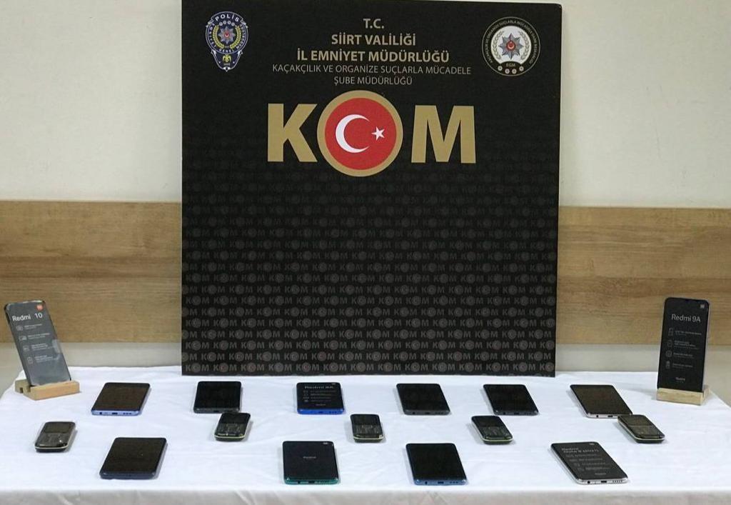 Siirt'te piyasa değeri 51 bin 500 lira olan kaçak cep telefonu ele geçirildi